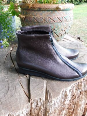 Arche: bronze leather zip ankle boot  Homepage DSCN4444 300x400