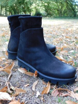 Patrizia Bonfanti: black leather wedge ankle boots  Homepage DSCN2652 300x400