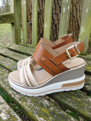NeroGiardini: tan leather platform wedge sandal  Homepage DSCN7036 300x400