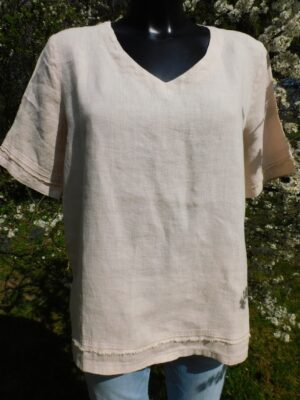 Focus: taupe linen V neck top  Homepage DSCN7264 300x400