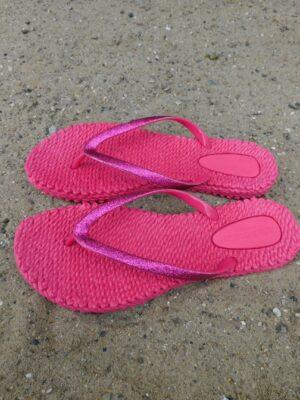 Ilse Jacobsen: platinum flip-flops