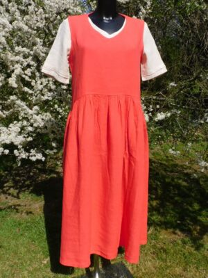 Focus: tomato red sleeveless linen dress  Homepage front tom dress 300x400