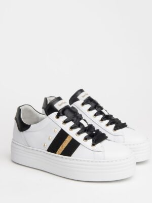Nerogiardini: white with black and gold stripe leather trainer homepage Homepage I013370D 707 03 300x400