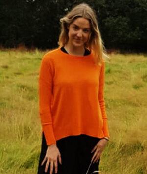 &Isla: Burnt orange cashmere oversized sweater